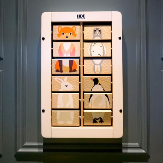 Maak verschillende dieren met dit wandspel met draaiende blokjes   IKC wandspellen