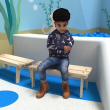 Op deze afbeelding ziet u kindermeubel buxus kinderbank hout